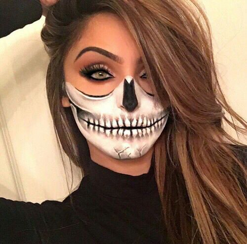 Black & White Skeleton