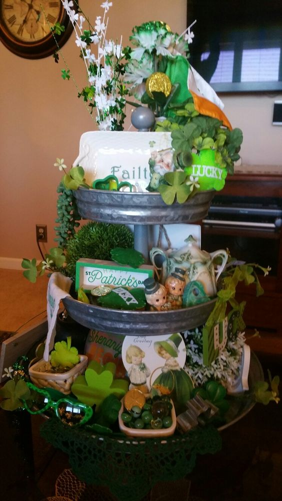 st patricks day tiered tray