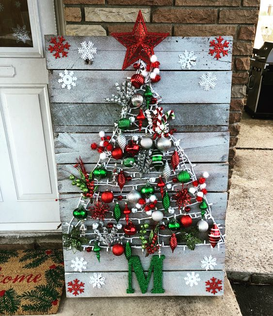 Christmas Tree Pallet