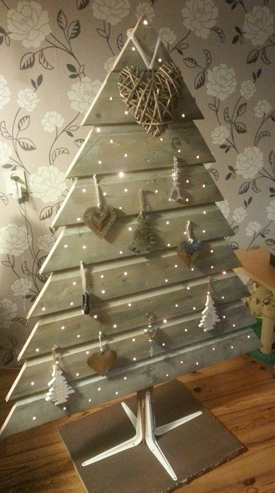 Ornament Pallet Tree