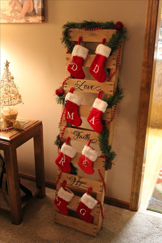 Pallet Stocking Holder