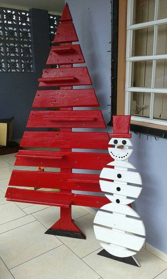 Red Pallet Tree