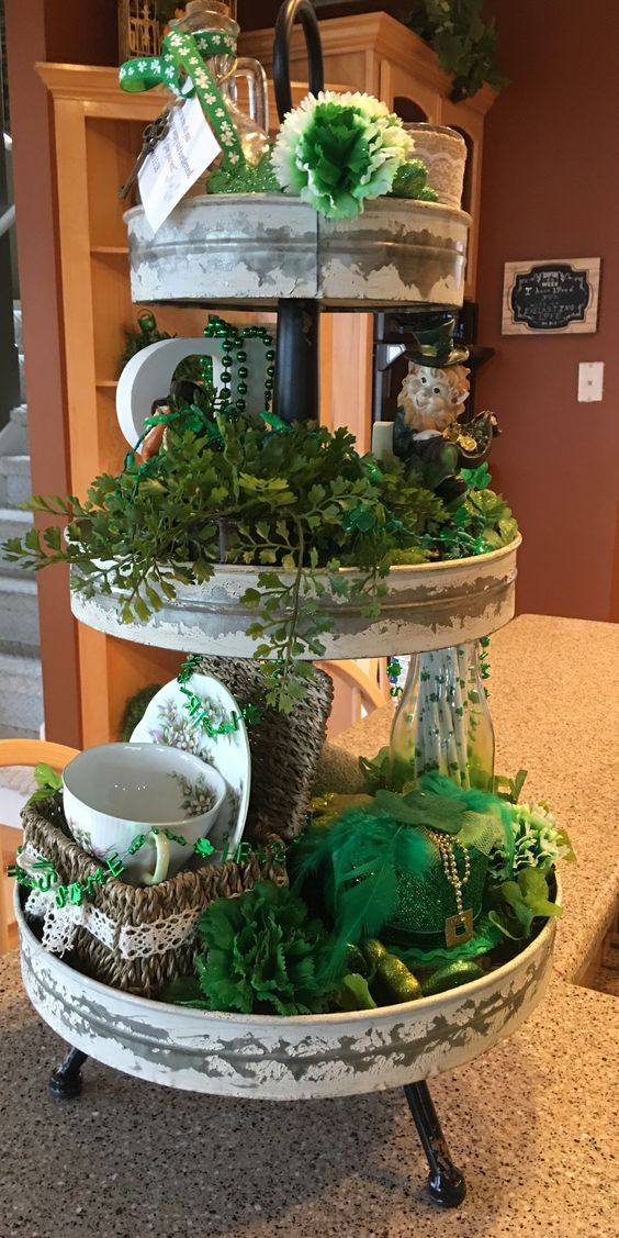 St pats tiered tray