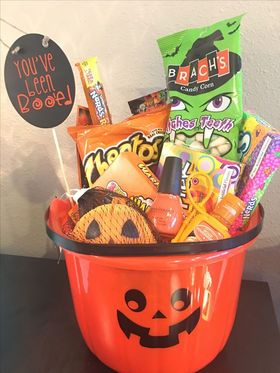 Girlfriend Boo Basket