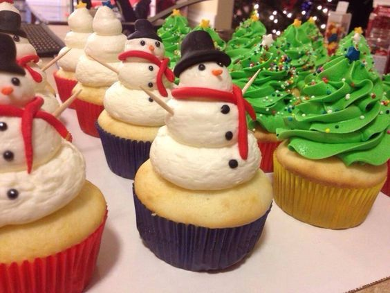 Christmas cupcakes trees snowmen